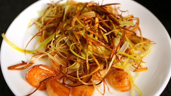 Spicy Garlic Fried Chicken - Fried Leek