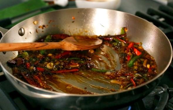 Spicy Garlic Fried Chicken - Sauce Finished
